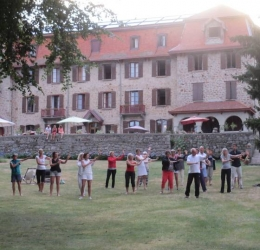 Frankrijk week met Yoga   Tai chi   Massagecursus